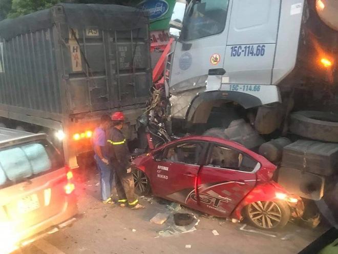 Danh tính 3 nạn nhân tử vong trong vụ tai nạn liên hoàn lúc rạng sáng ở Hà Nội: Người trẻ nhất mới 21 tuổi - ảnh 1