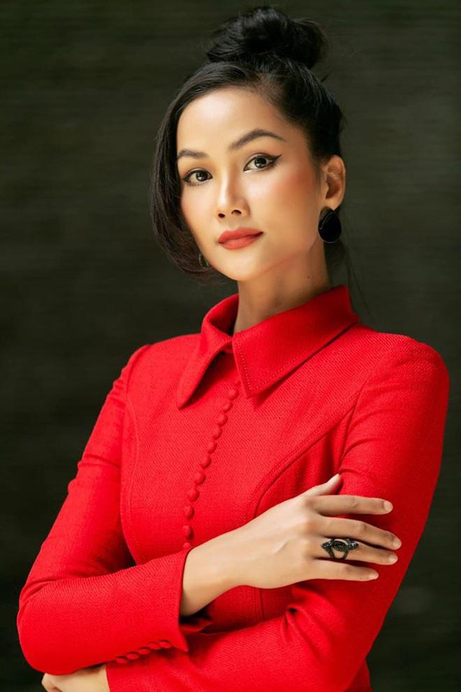 Dàn Hoa hậu chung tay ủng hộ Đà Nẵng chống dịch: Con số tăng thêm 100 triệu, Tiểu Vy liên tiếp có hành động ấm lòng - Ảnh 8.