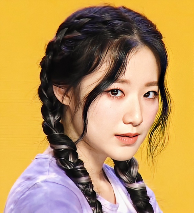Trăm năm một màu tóc, là do bị stylist bỏ quên hay do Shuhua quá cứng đầu nên không chịu thay đổi? - ảnh 3