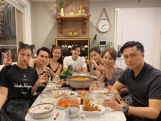 Hội bạn thân Hà Thành hội ngộ mừng sinh nhật Mai Phương Thuý, nhưng nhân vật chính lại đi đâu rồi? - ảnh 2