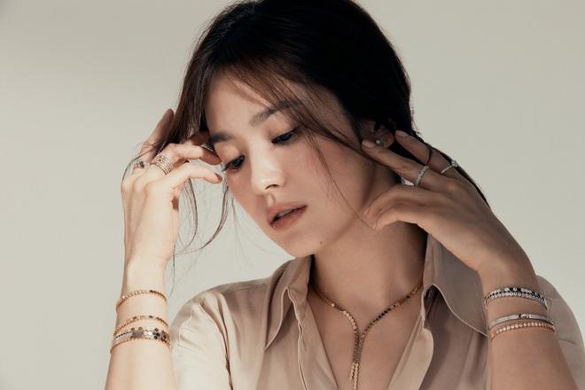 Giữa lùm xùm tình ái, Song Hye Kyo đánh úp bộ ảnh đẹp nín thở: Dàn tài tử nam thần đã bỏ lỡ báu vật nhan sắc rồi! - ảnh 5