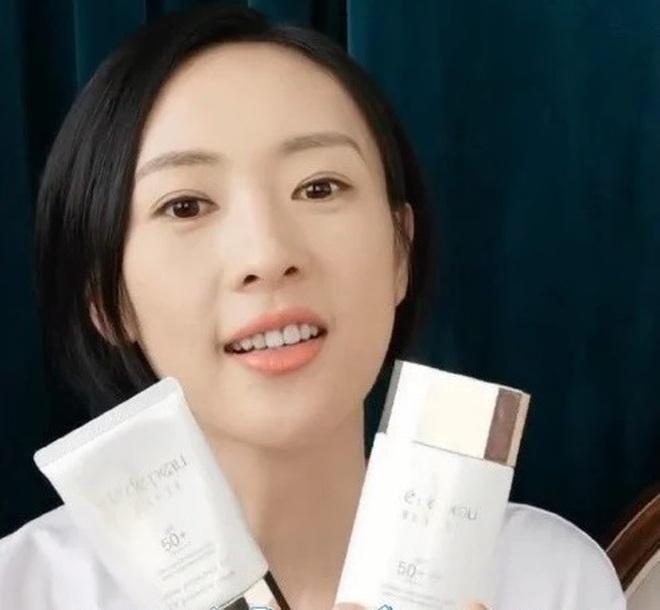 Dùng đến 6 loại kem chống nắng, bảo sao Đồng Dao đã 35 mà da vẫn mơn mởn như gái đôi mươi - ảnh 3