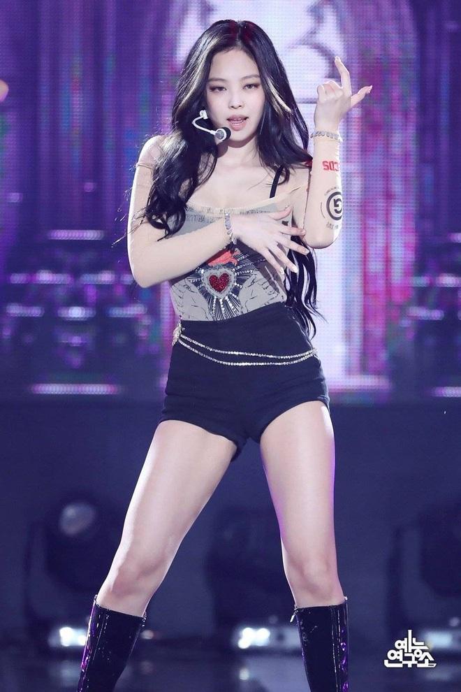 Jennie (BLACKPINK) từng suýt chuyển đến Mỹ, nhưng đã một mực thuyết phục mẹ xin về Hàn để giờ đây là idol Kpop nổi tiếng - ảnh 1