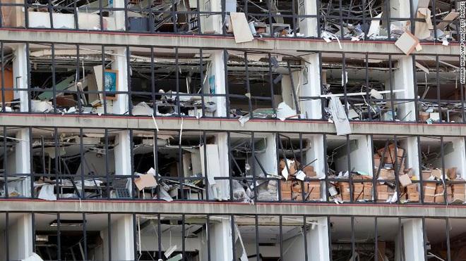 Tiết lộ ngỡ ngàng về vụ nổ thảm họa tại Lebanon: Nguyên chuyến tàu khổng lồ chở toàn vật liệu nổ đậu ở cảng hàng năm trời, lý do tại sao? - ảnh 9