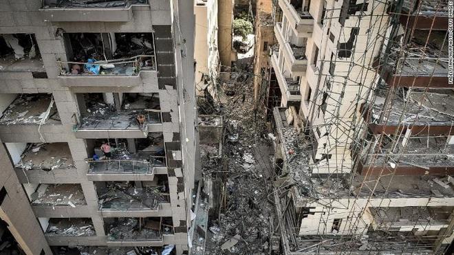 Tiết lộ ngỡ ngàng về vụ nổ thảm họa tại Lebanon: Nguyên chuyến tàu khổng lồ chở toàn vật liệu nổ đậu ở cảng hàng năm trời, lý do tại sao? - ảnh 7