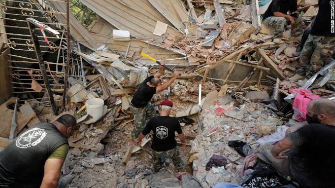 Tiết lộ ngỡ ngàng về vụ nổ thảm họa tại Lebanon: Nguyên chuyến tàu khổng lồ chở toàn vật liệu nổ đậu ở cảng hàng năm trời, lý do tại sao? - ảnh 6