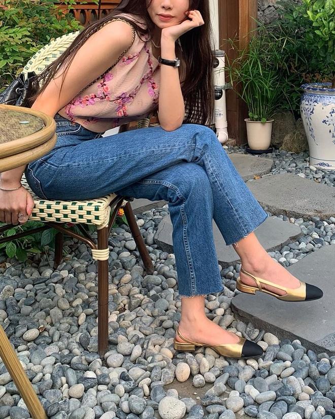 Nàng nào cũng sẽ muốn sắm cho bằng hết 5 kiểu giày dép hợp cạ với quần jeans vì diện lên là đẹp mì ăn liền - ảnh 11