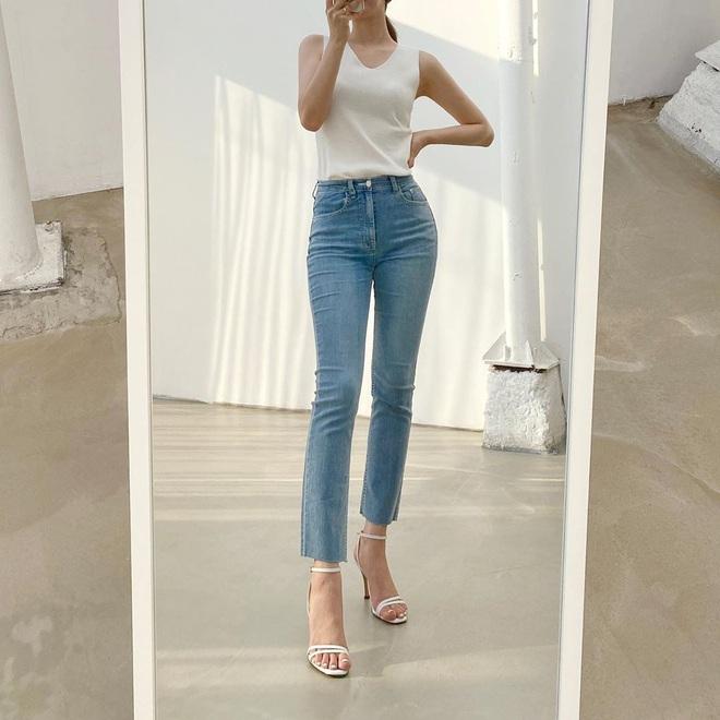 Nàng nào cũng sẽ muốn sắm cho bằng hết 5 kiểu giày dép hợp cạ với quần jeans vì diện lên là đẹp mì ăn liền - ảnh 14