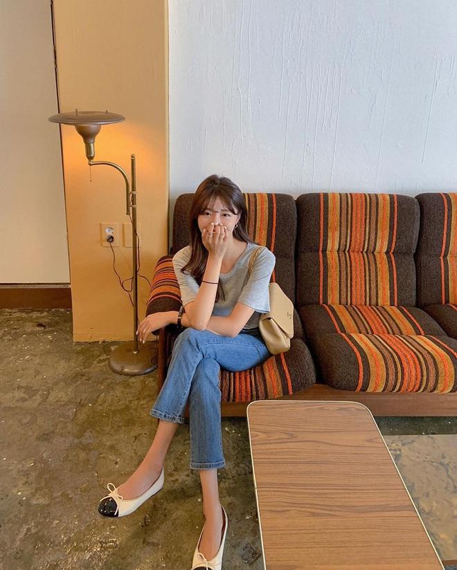 Nàng nào cũng sẽ muốn sắm cho bằng hết 5 kiểu giày dép hợp cạ với quần jeans vì diện lên là đẹp mì ăn liền - ảnh 10