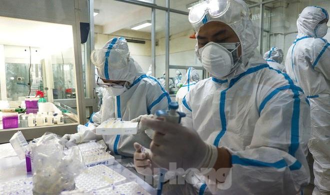 Những 'chiến binh' CDC Đà Nẵng quay cuồng truy vết virus chết người - ảnh 1