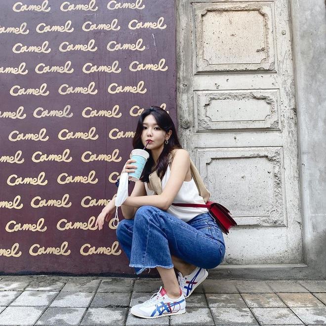 Ngắm outfit của sao Hàn, bạn học được khối tuyệt kỹ mix&match cực hay để có set đồ xinh bất bại - ảnh 2