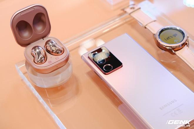 Trải nghiệm nhanh Samsung Galaxy Buds Live: sang trọng, thiết kế mới ấn tượng, xứng đáng đọ AirPods - Ảnh 8.