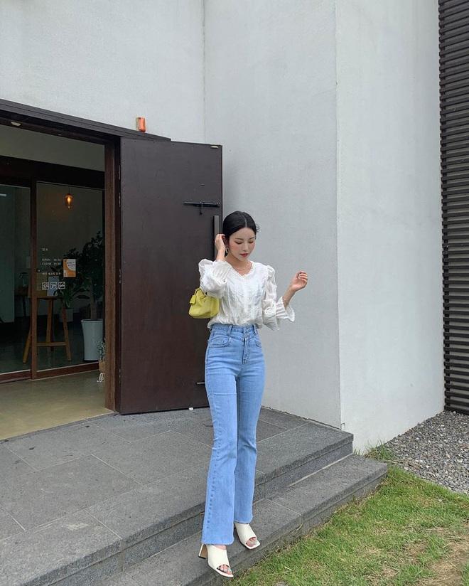 Nàng nào cũng sẽ muốn sắm cho bằng hết 5 kiểu giày dép hợp cạ với quần jeans vì diện lên là đẹp mì ăn liền - ảnh 18