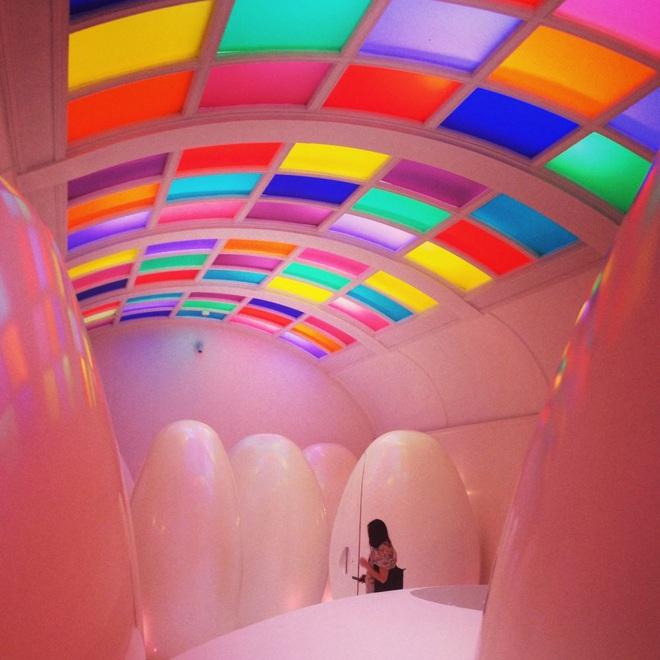 """Những thiết kế nhà vệ sinh như """"đến từ hành tinh khác"""", quái dị tới mức du khách chẳng dám bước chân vào trải nghiệm - Ảnh 13."""
