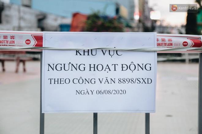 Người lớn vẫn để trẻ em vào khu vui chơi tại công viên ở Sài Gòn dù đã có thông báo tạm dừng hoạt động để phòng dịch Covid-19 - ảnh 10