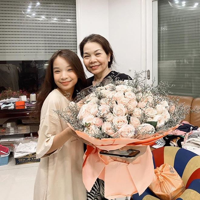 """Thiên Thư Amy - Lê Gia Linh: 2 """"big city girl"""" nổi bần bật trên Instagram, bạn mê ai hơn? - ảnh 27"""