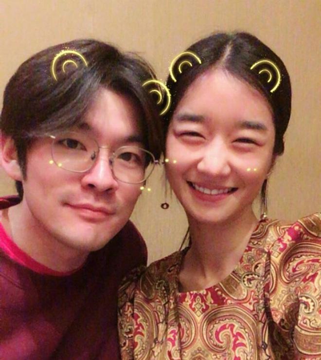 5 lần cặp kè trai đẹp ít ai nhớ của Seo Ye Ji: Hôn trộm Park Seo Joon có hot bằng MV mùi mẫn với G-Dragon? - ảnh 11
