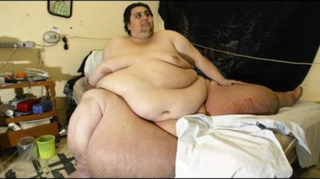Cận cảnh cuộc sống của người đàn ông nặng nhất thế giới gần 600kg, cả khi cưới và lúc chết đưa tang đều phải thuê xe tải cỡ lớn - ảnh 2