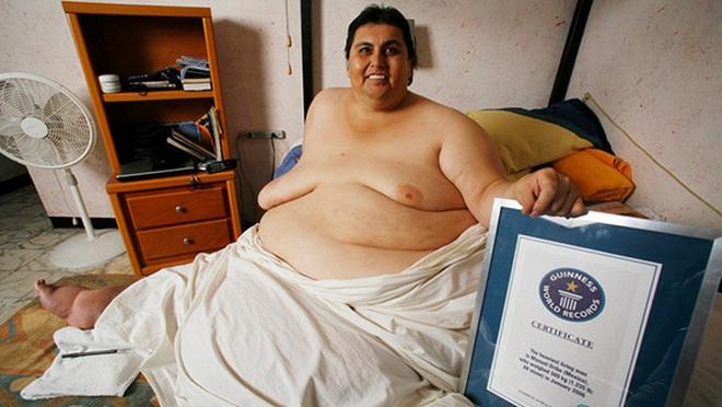 Cận cảnh cuộc sống của người đàn ông nặng nhất thế giới gần 600kg, cả khi cưới và lúc chết đưa tang đều phải thuê xe tải cỡ lớn - ảnh 1