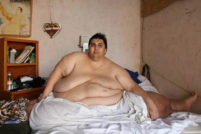 Cận cảnh cuộc sống của người đàn ông nặng nhất thế giới gần 600kg, cả khi cưới và lúc chết đưa tang đều phải thuê xe tải cỡ lớn - ảnh 3