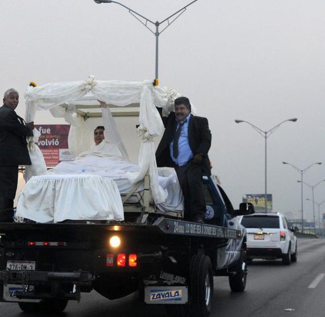 Cận cảnh cuộc sống của người đàn ông nặng nhất thế giới gần 600kg, cả khi cưới và lúc chết đưa tang đều phải thuê xe tải cỡ lớn - ảnh 8