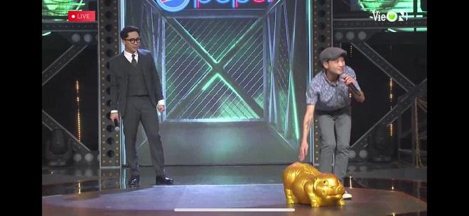 Thí sinh mang heo đất lên sân khấu Rap Việt khiến Trấn Thành tưởng là Trường Giang, gây ra mâu thuẫn giữa Wowy và Binz - ảnh 6