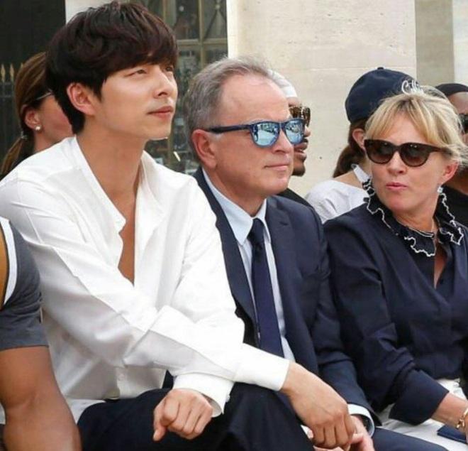 Hot lại ảnh tài tử Train to Busan Gong Yoo tại trời Tây: Hiếm sao Hàn đô đến mức dìm cầu thủ Mỹ, khách mời người Pháp phải lén nhìn - ảnh 5