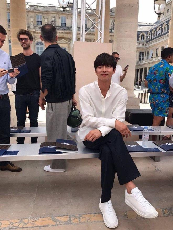 Hot lại ảnh tài tử Train to Busan Gong Yoo tại trời Tây: Hiếm sao Hàn đô đến mức dìm cầu thủ Mỹ, khách mời người Pháp phải lén nhìn - ảnh 3