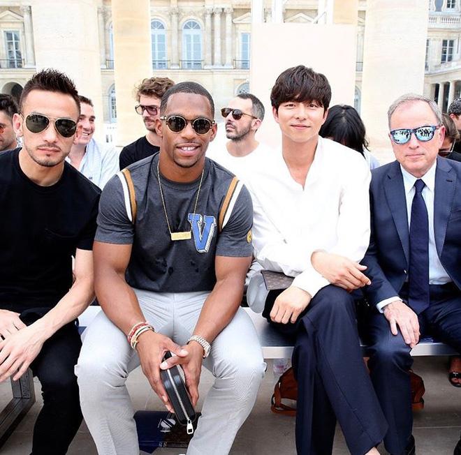 Hot lại ảnh tài tử Train to Busan Gong Yoo tại trời Tây: Hiếm sao Hàn đô đến mức dìm cầu thủ Mỹ, khách mời người Pháp phải lén nhìn - ảnh 2