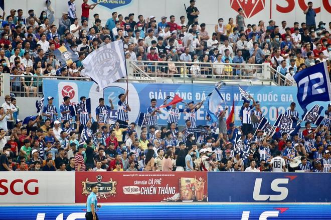 Những điều đáng chờ đợi khi Cúp Quốc gia trở lại: SVĐ mở cửa đón khán giả, hàng thủ Hà Nội FC ra sao khi mất cả Văn Hậu? - ảnh 1