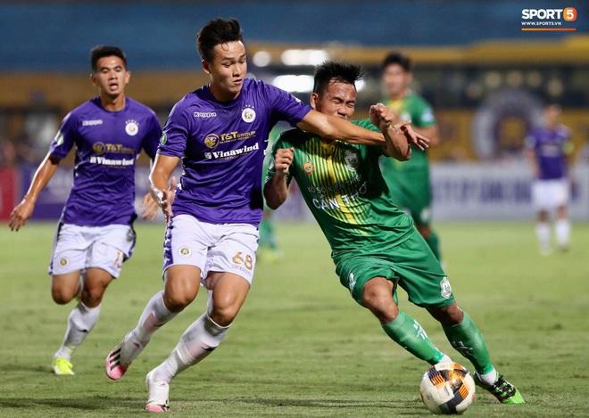 Quang Hải ghi bàn trong trận đấu vắng Huỳnh Anh trên khán đài - ảnh 7