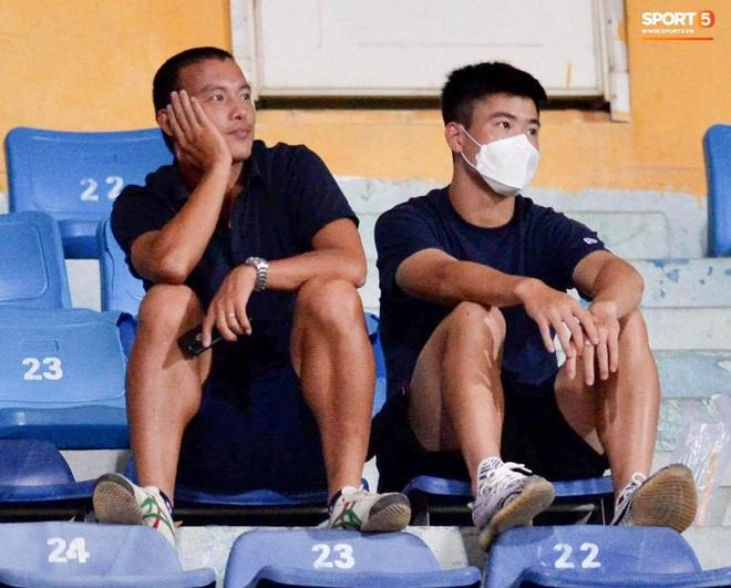 Quang Hải ghi bàn trong trận đấu vắng Huỳnh Anh trên khán đài - ảnh 8