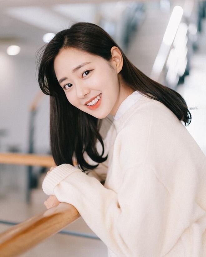 """Lâu lắm rồi Hàn Quốc mới có Hoa hậu đẹp đến mức Knet khó tính phải tấm tắc khen, ảnh đời """"show"""" nhan sắc như diễn viên - Ảnh 7."""
