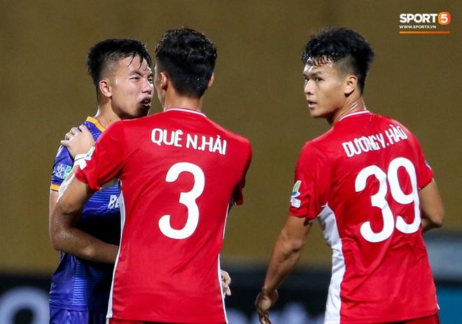 Tuyển thủ Việt Nam nóng mặt, đòi ăn thua với đội trưởng đối phương sau khi dính đòn đau - ảnh 7