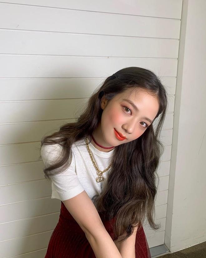 Jisoo (BLACKPINK) khiến fan lo lắng vì tiếp tục nổi hạch ở cổ: loại hạch này cảnh báo rất nhiều vấn đề nguy hiểm mà ai cũng cần chú ý - ảnh 5