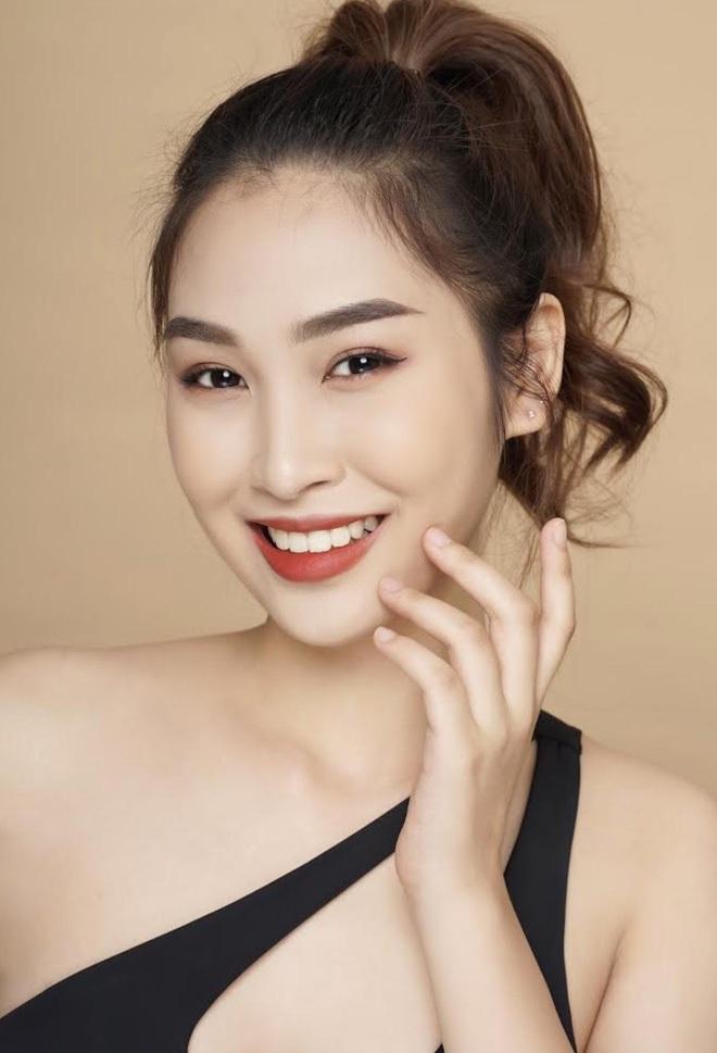 Tiếp tục series bikini của dàn thí sinh Hoa hậu: Khoe trọn chân dài 1m21, body chuẩn nhờ ăn kiêng và tập gym chăm chỉ - Ảnh 15.