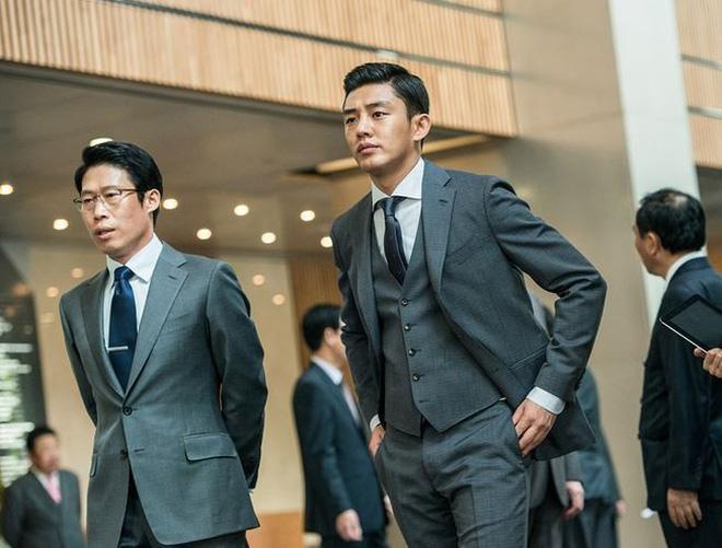 Huyền thoại King and the Clown sau 15 năm: Lee Jun Ki vẫn ở đỉnh cao nhan sắc, nam phụ thăng hạng ông hoàng phòng vé - ảnh 20