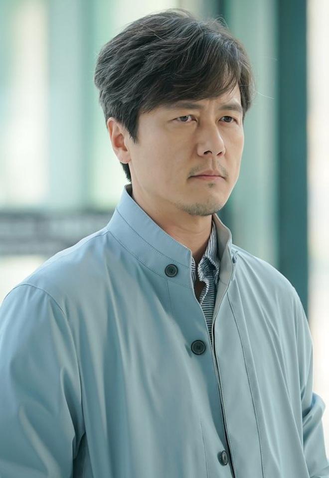 Huyền thoại King and the Clown sau 15 năm: Lee Jun Ki vẫn ở đỉnh cao nhan sắc, nam phụ thăng hạng ông hoàng phòng vé - ảnh 28