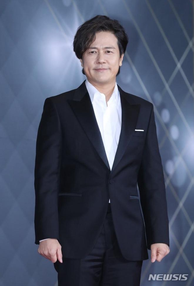 Huyền thoại King and the Clown sau 15 năm: Lee Jun Ki vẫn ở đỉnh cao nhan sắc, nam phụ thăng hạng ông hoàng phòng vé - ảnh 29
