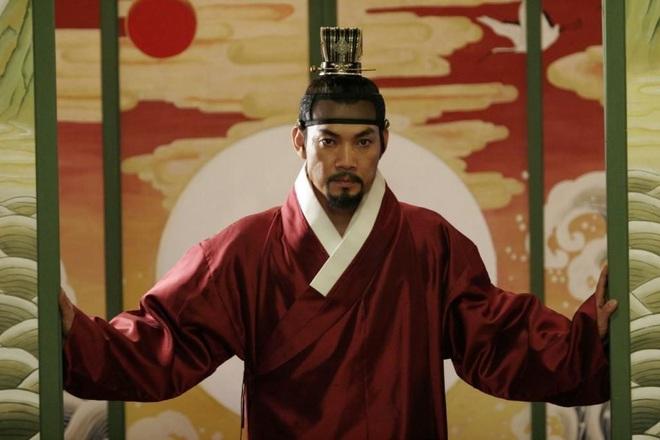 Huyền thoại King and the Clown sau 15 năm: Lee Jun Ki vẫn ở đỉnh cao nhan sắc, nam phụ thăng hạng ông hoàng phòng vé - ảnh 31