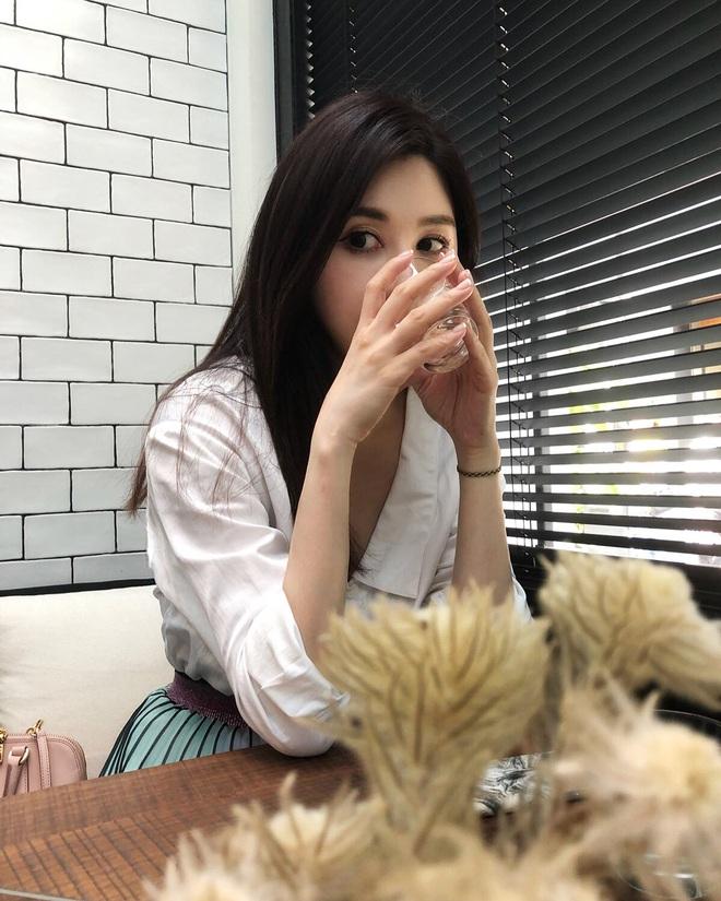 Chạm ngưỡng tuổi 41, nữ MC người Đài Loan hé lộ 4 nguyên tắc giúp cô duy trì vóc dáng thon thả như gái đôi mươi - ảnh 11