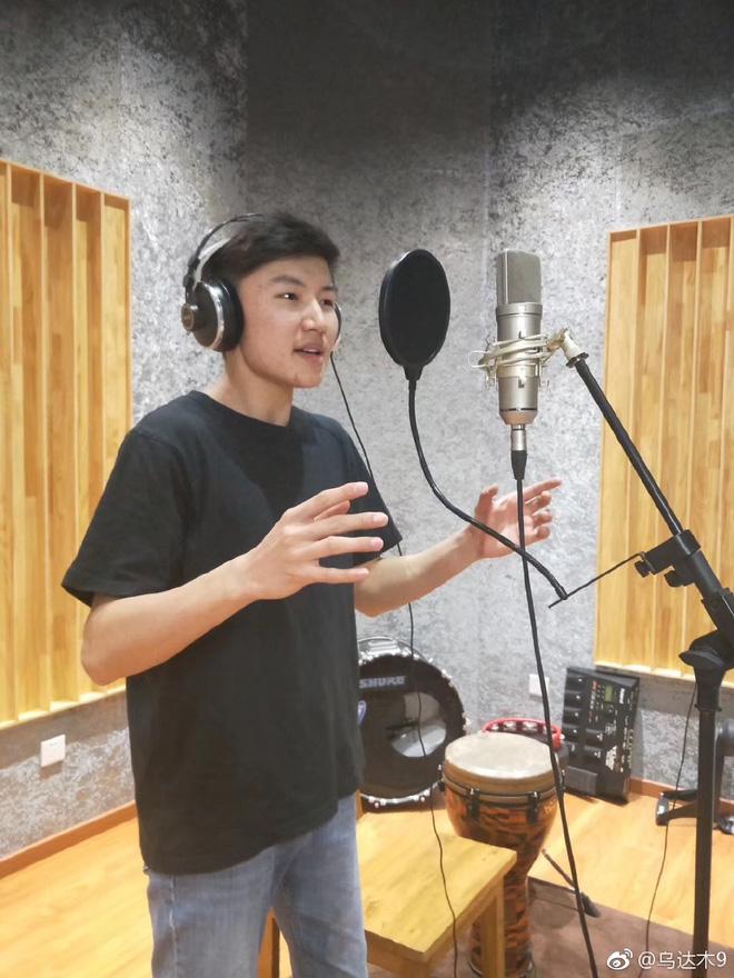 Cậu bé Mông Cổ hát về mẹ từng khiến hàng triệu người bật khóc hiện giờ ra sao? - Ảnh 6.