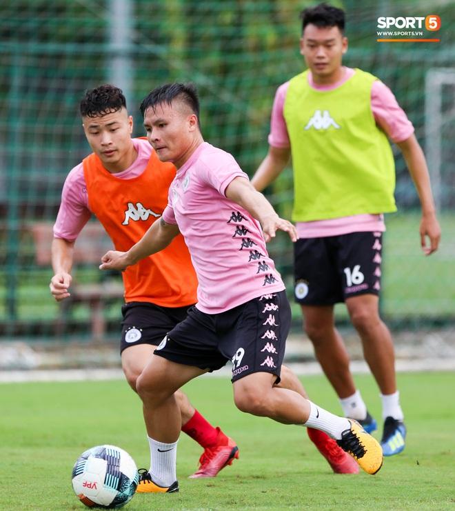 Trung vệ hiếm có của bóng đá Việt sẵn sàng làm tiền đạo để phá lưới Bùi Tiến Dũng - ảnh 5
