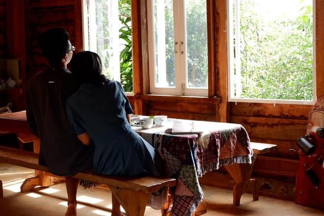 Những mẩu chuyện chưa kể của đôi vợ chồng trẻ bỏ phố về rừng: Không phải ai sinh ra cũng để trồng rau, nuôi cá - ảnh 12