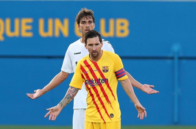 Bị theo kèm cực gắt, Messi nổi cáu với anh chàng cầu thủ vô danh - ảnh 1