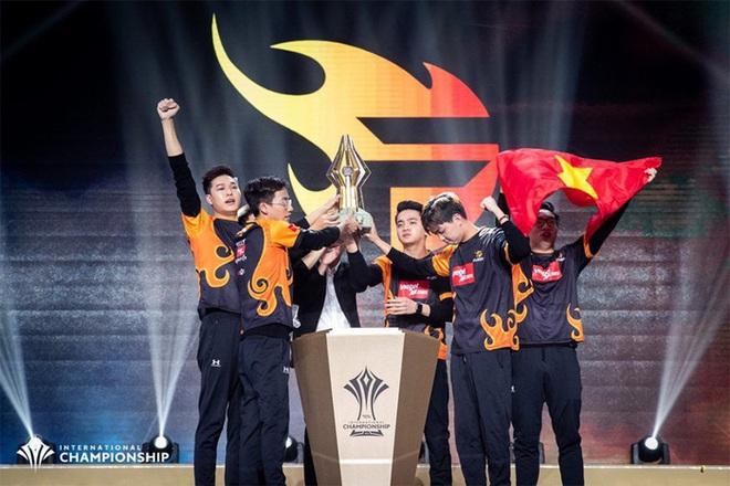 Không phải phim ảnh hay âm nhạc, người Việt đang có xu hướng nghiện xem các giải đấu game trên YouTube - ảnh 3