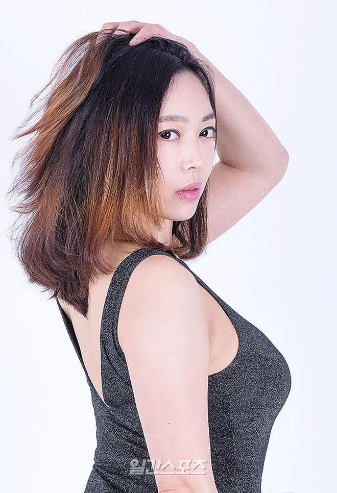 """Sao phim 18+ xứ Hàn hé lộ bí mật ngành công nghiệp """"nóng"""": Thu nhập chênh lệch gây sốc giữa diễn viên nam và nữ - Ảnh 5."""