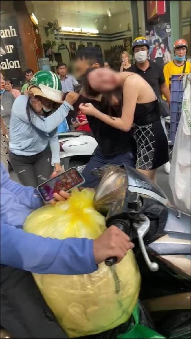 Giữa cơn bão drama tiểu tam bị đánh trên phố đang rầm rộ, Huỳnh Lập có pha cà khịa đi vào lòng người - ảnh 4