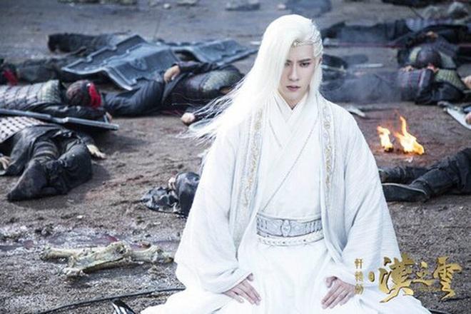 Lý Dịch Phong đu trend tóc bạch kim ở Kính Song Thành nhưng mốt hơi lỗi thời không? - ảnh 5