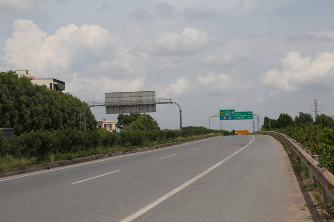 Vụ tài xế xe khách tông tử vong chiến sĩ CSCĐ: Phát hiện 1,6 tấn hàng lậu trên xe - ảnh 1